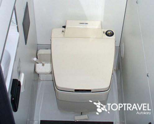 Wynajem autokarów TOP TRAVEL Warszawa - Bova toaleta
