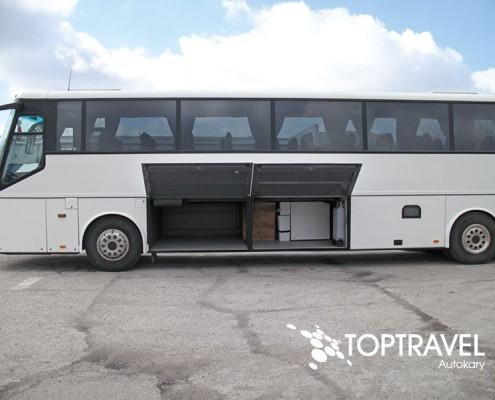 Wynajem autokarów TOP TRAVEL Warszawa - Bova bagażnik