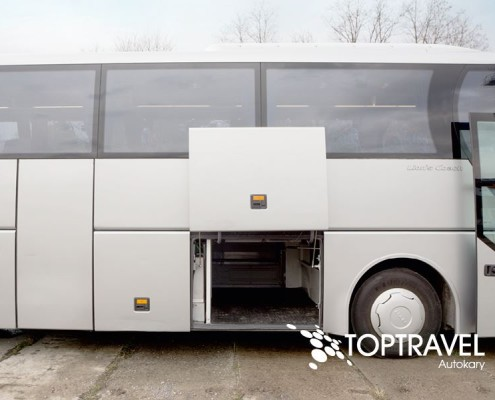 Wynajem Autokarów Warszawa Polska TOP TRAVEL MAN bagażnik